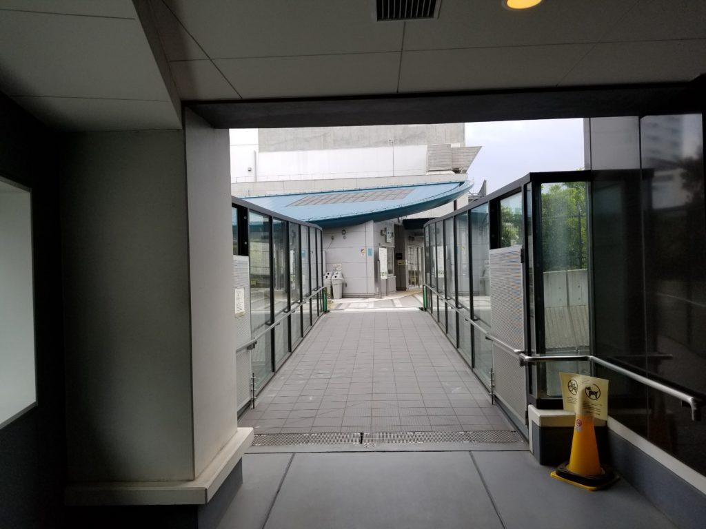 プリズムタワーから天空庭園への出口