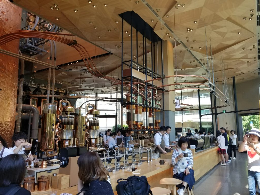 STARBUCKS RESERVE ROASTERY TOKYOの内装