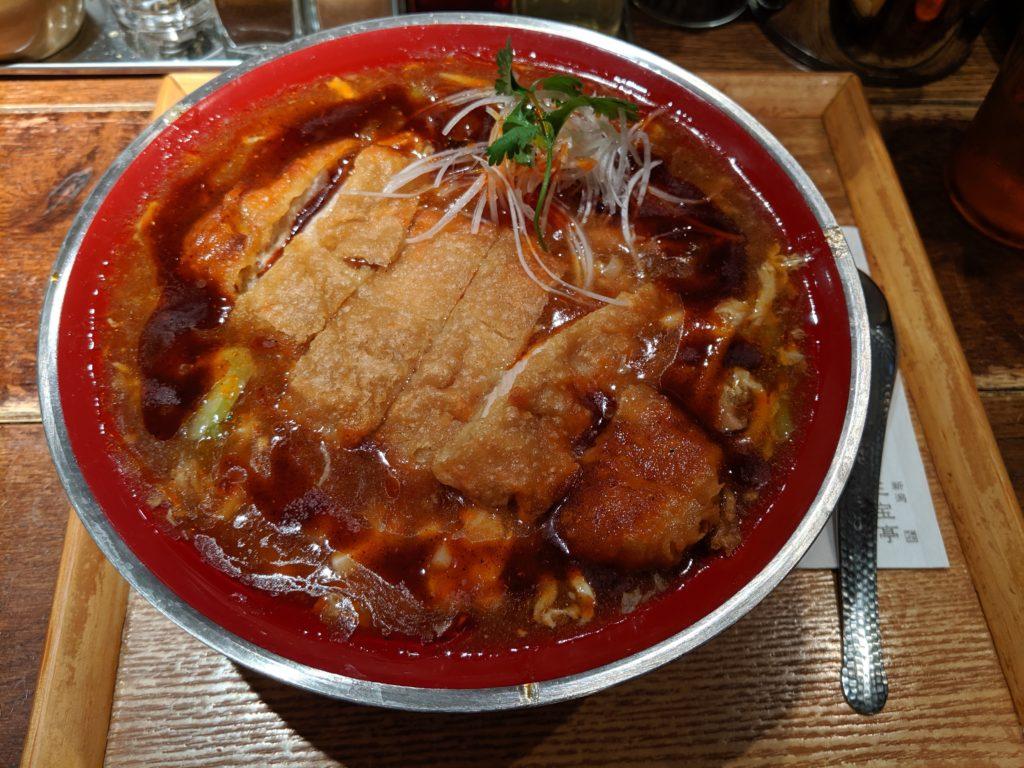 酸辣湯麵の写真
