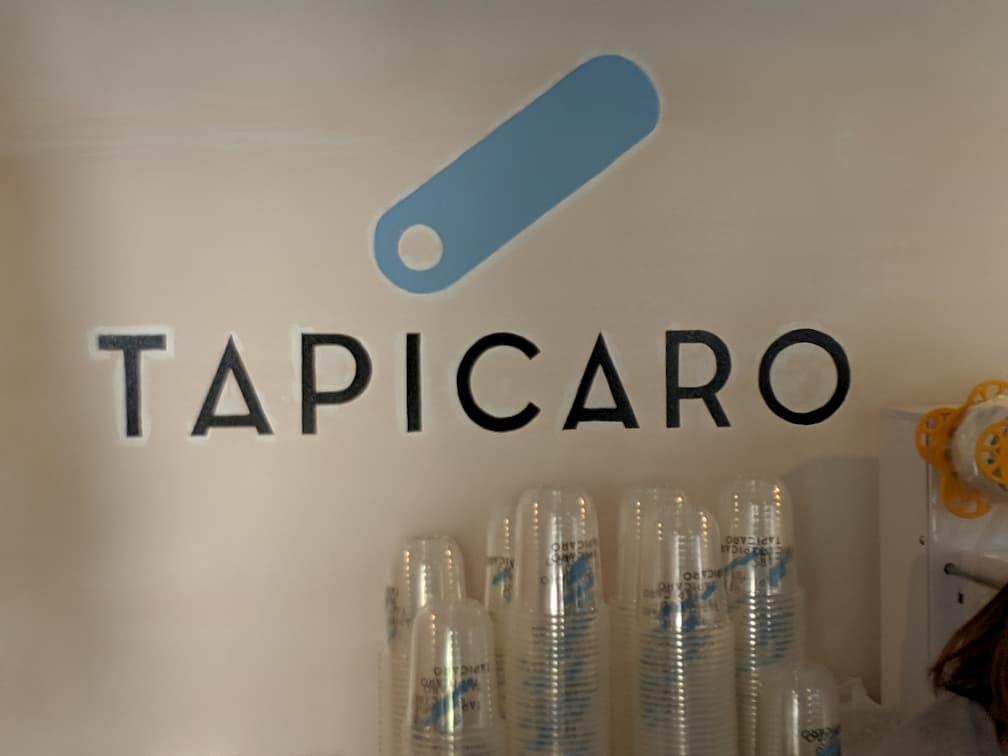 タピカロのロゴ