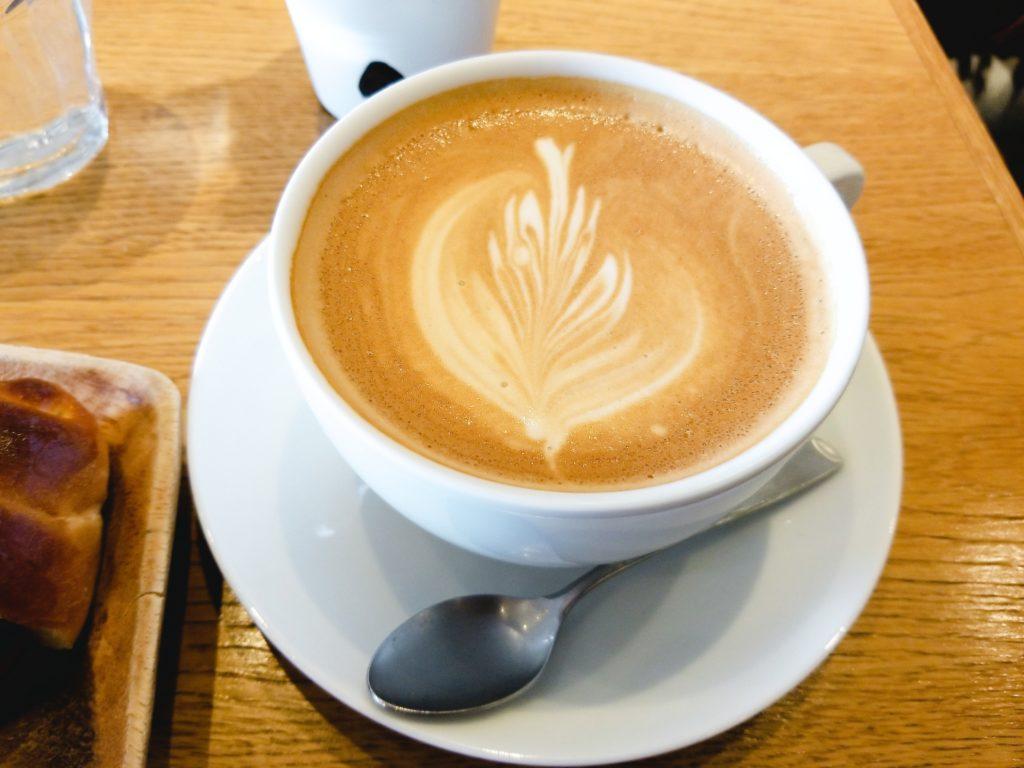 トラスパレンテのカフェラテ