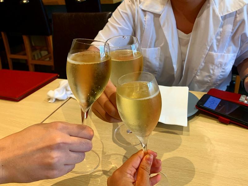 ワインファームTAMURA_中目黒で日曜昼飲み_乾杯シャンパン