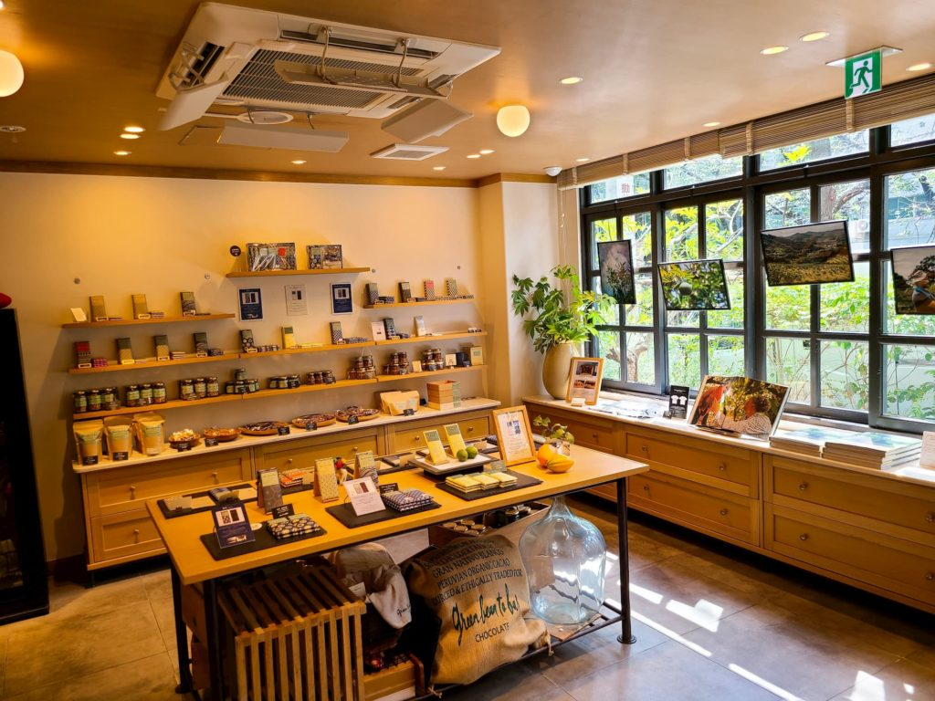 green bean to bar CHOCOLATEの店内