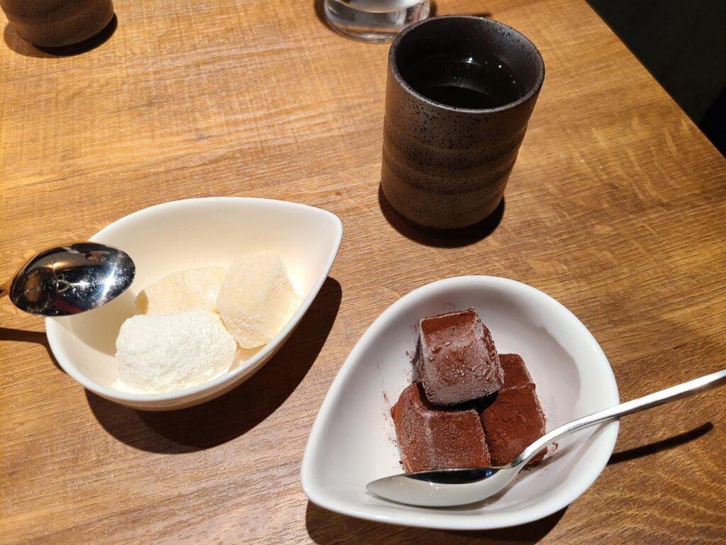 マーク松岡焼肉ホルモンのアイス